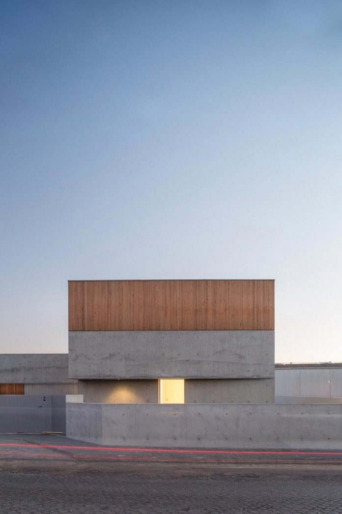Residential Building Inserted In A Consolidated Urban Area