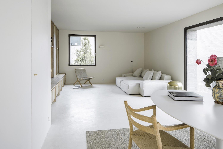 Minimalist Interior Design Of The Cube Apartment Designed