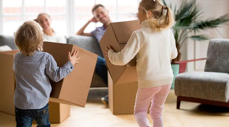 assurance emprunteur jeune couple qui emménage