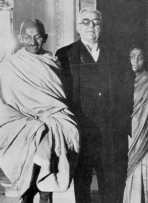 Agha Khan III with Mahatma Gandhi. If only Gandhi knew...