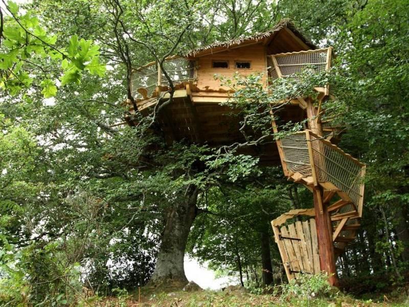 Cabane dans les arbres à Côté de Brive-la-Gaillarde Nouvelle Aquitaine