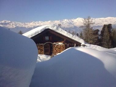 Cabane de l'Ardebran en hiver