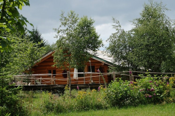 Location de Gîtes en chalets en rondins : Des fustes, des cabanes en tronc d'arbres