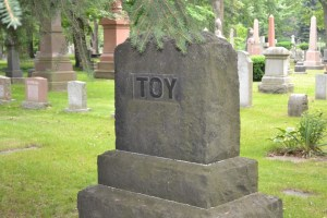 toy monument st james