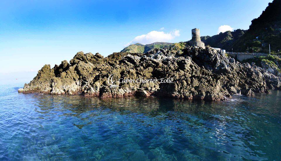 Cabin Charter Eolie - Bagnara - Torre Aragonese - Vacanza in Barca a Vela - Viaggio in Barca a Vela - Calabria - Sicilia