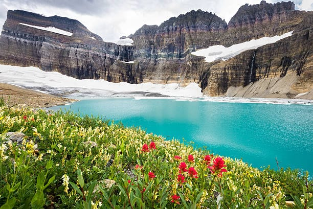 beautiful turqoise lake view