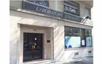 location studio dans bel immeuble parisien