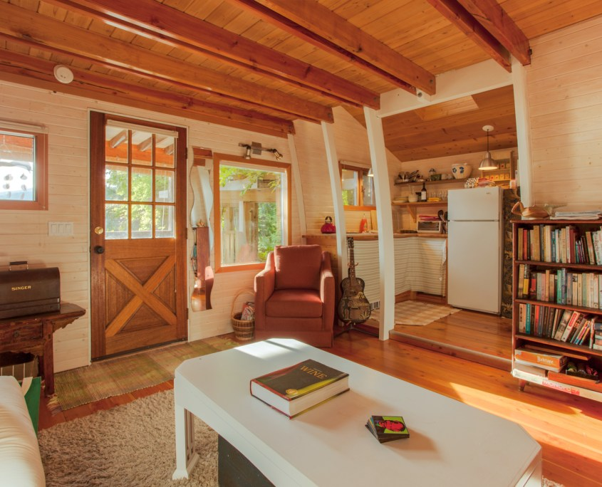 sunshine-coast-cabins-alfie-a-frame-livingroom