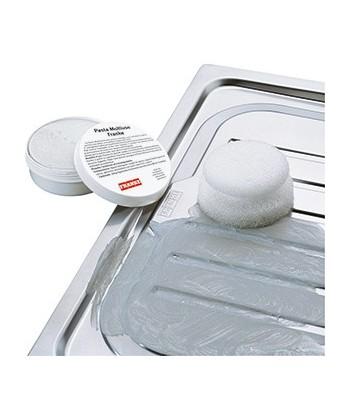 pulire i lavelli e piani cottura