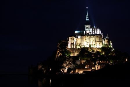 Vista nocturna de Le Mont Sant Michel
