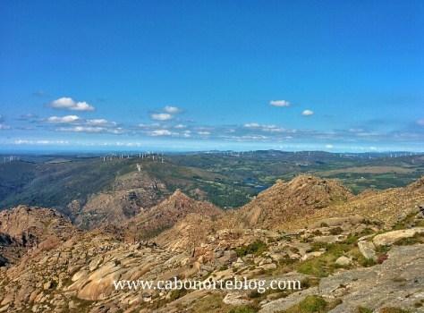 Terras do Concello de Dumbría desde o cumio do Monte Pindo