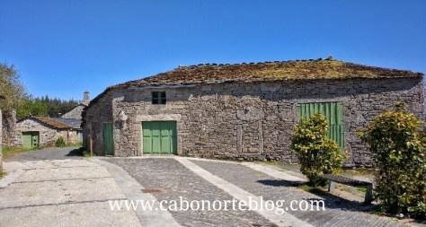 A aldea de Santalla de Bóveda