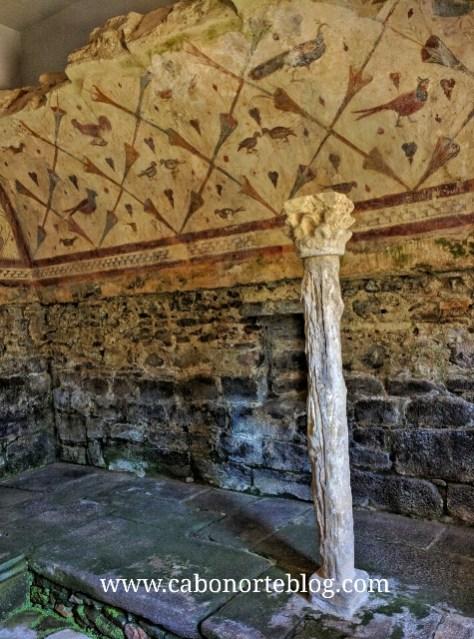 Interior do templo, coas preciosas pinturas