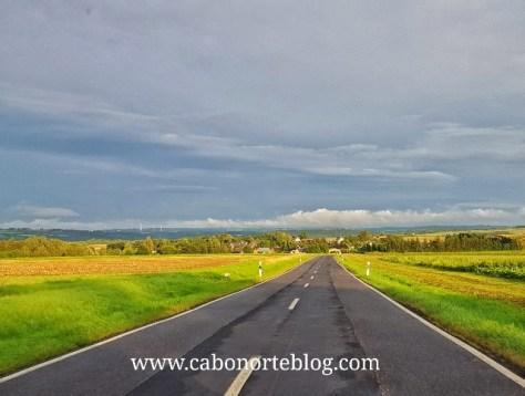 Carretera en el rural alemán