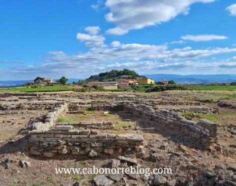 En las rutas arqueológicas es imprescindible el porteo.