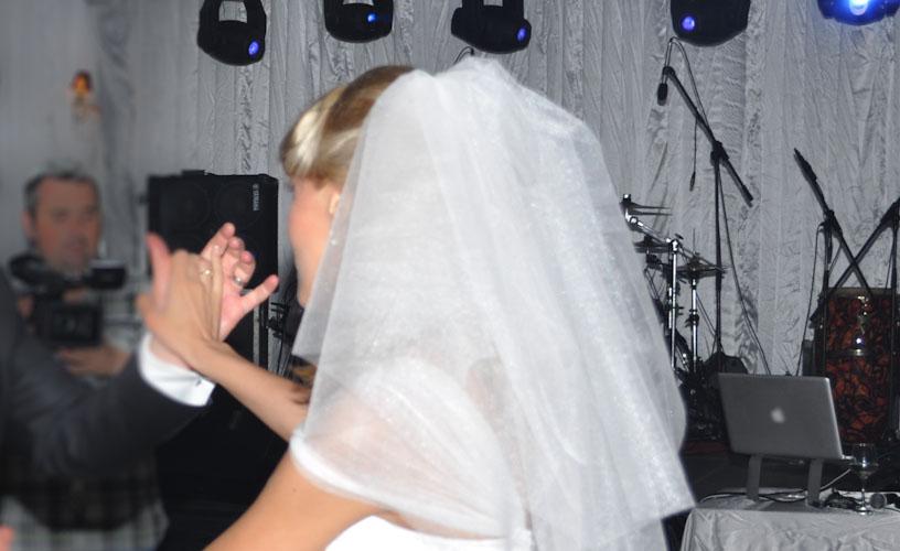 om cautand femeie pentru clapa de nunta)