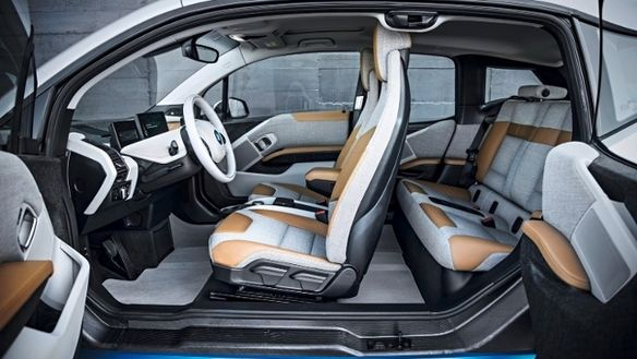 bmw-i3-side picture doors opened