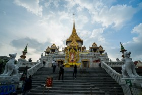 bangkok-2016-the-temple-of-the-golden-buddha-1-of-26