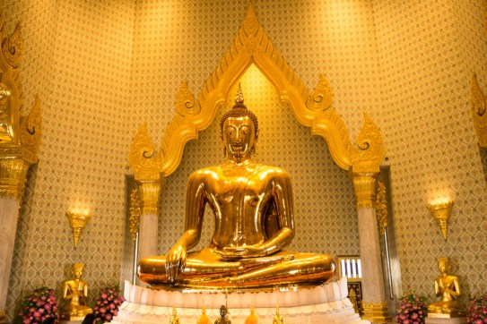 bangkok-2016-the-temple-of-the-golden-buddha-6-of-26