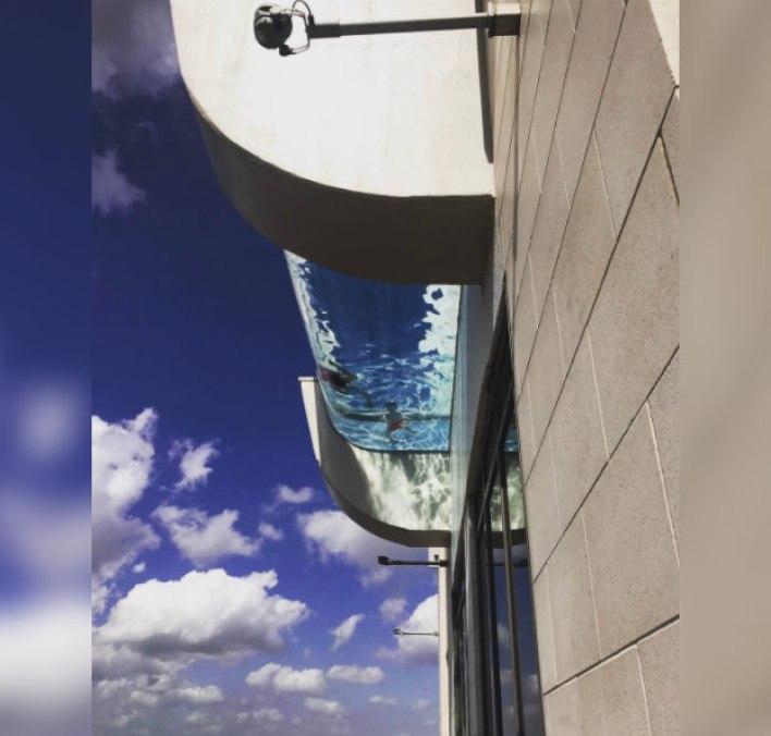 piscina-suelo-transparente-150-metros-4