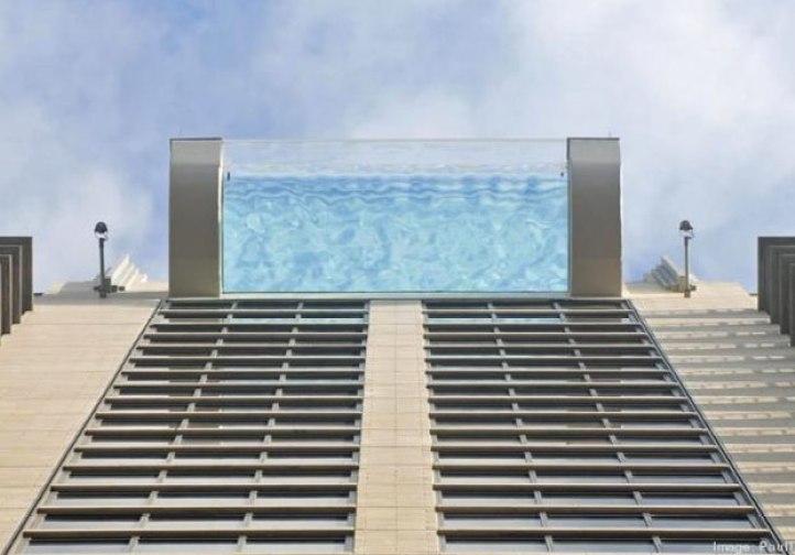 piscina-suelo-transparente-150-metros-5