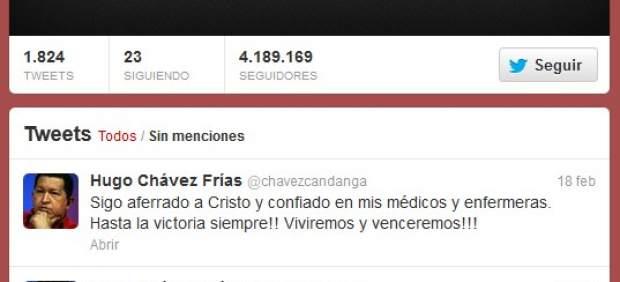 La cuenta de Twitter @chavezcandanga del recientemente fallecido presidente venezolano, Hugo Chávez, ha quedado huérfana con más de 4 millones de seguidores, una cifra que situaba al carismático líder como el segundo gobernante más popular en la red social, solo superado por el estadounidense Barack Obama.