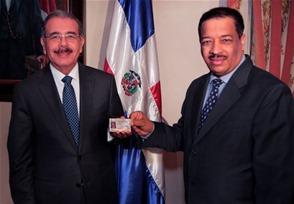 Danilo recibe nueva cédula