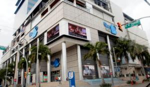 Pro Consumidor impone multa a operadora de Blue Mall por trampa en concurso