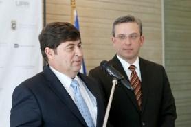 Cientifico Jose Cesar Lasalde y AGP