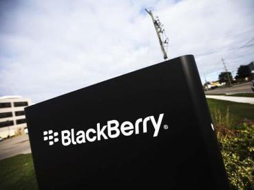 BlackBerry ha despedido en los tres últimos años a miles de empleados, alrededor de un 40 % de su plantilla, en un intento de reducir sus costos y mantenerse a flote.