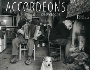 """Exposition de photos """"accordéons en Bretagne"""" @ Médiathèque"""