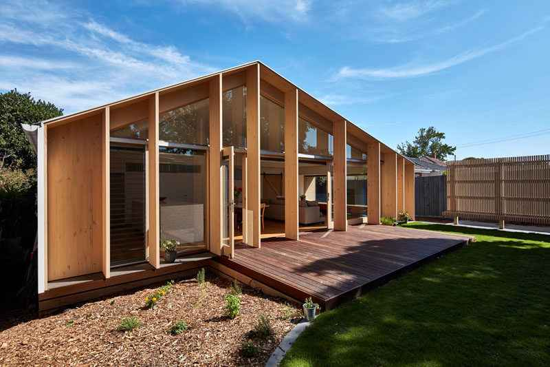 a-wood-clad-extension-adds-extra-living-space-to-this-1960s-home