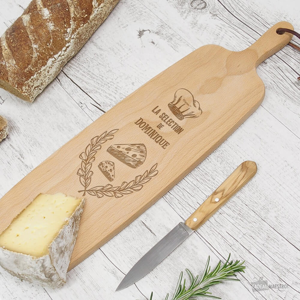 planche allongee a fromage a personnaliser achat planche de service 41cm allongee personnalisee cadeau maestro