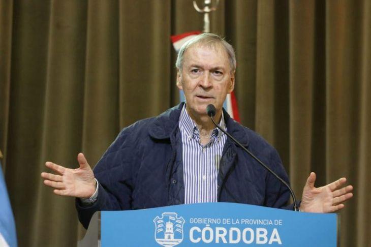 Córdoba restringe actividades por 14 días - Radioinforme 3 - Cadena 3 Argentina
