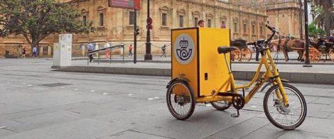triciclo Correos para el reparto urbano