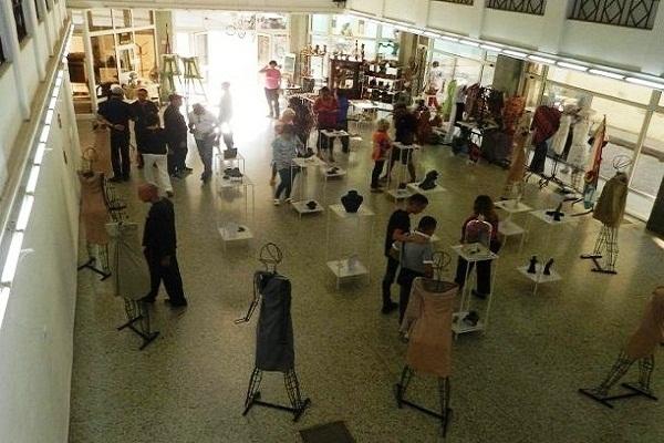 Exponen en Camagüey obras que imbrican lo útil y lo bello