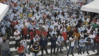 Photo of Trabajadores protestan contra Ford por la decisión de cerrar las fábricas
