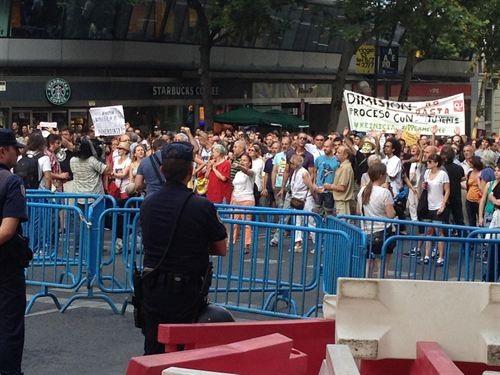 Protestas ante la sede del PP