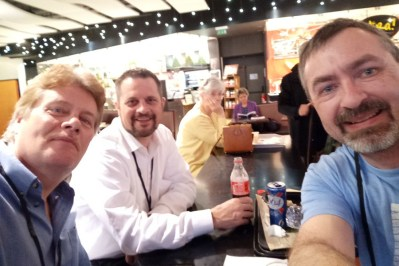 Robert, R.K. McSwain and Steve enjoy lunch at the Carrousel du Louvre