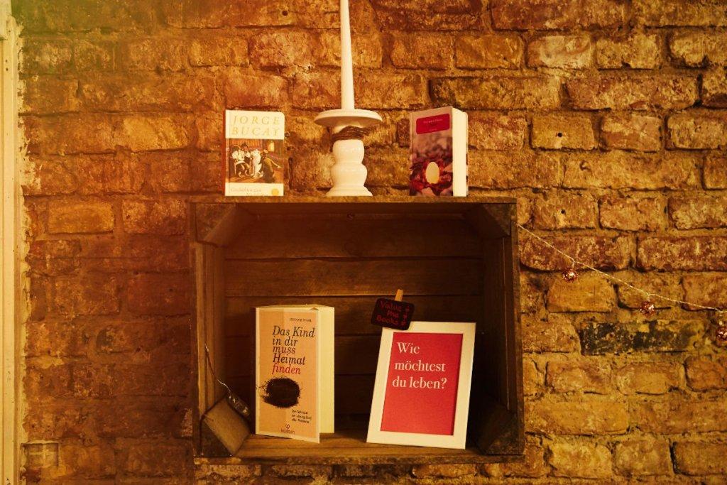 Bücher Schattenkind Café der Fragen Berlin