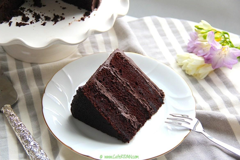 GRANNY'S CHOCOLATE CAKE
