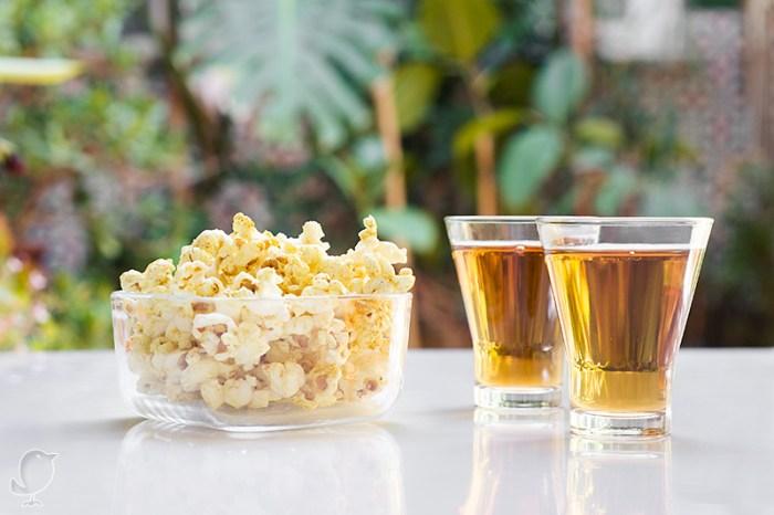 Palomitas con curry y té Hot Pakistaní