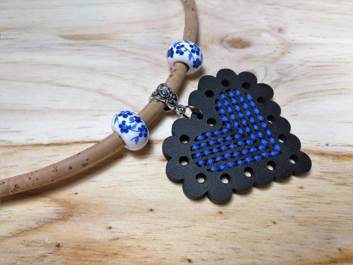 Collar línea Portugal de BeKoffee, bisuteria artesanal