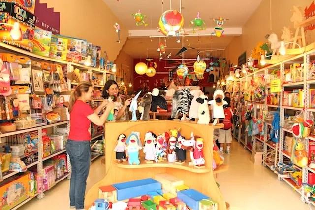Brinquedos lúdicos na Vila Madalena