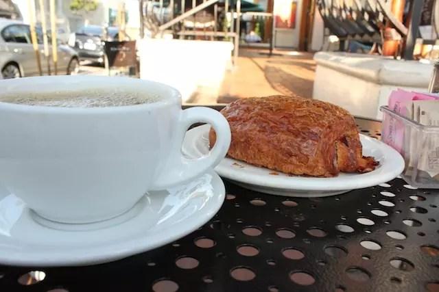 Café da manhã no Urth Caffé (café orgânico em Melrose)