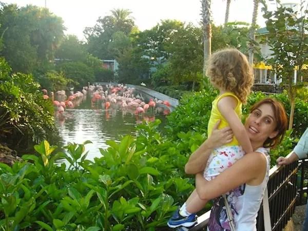"""Eu e a filhada na primeira """"viagem azedinha"""" pra Orlando!"""