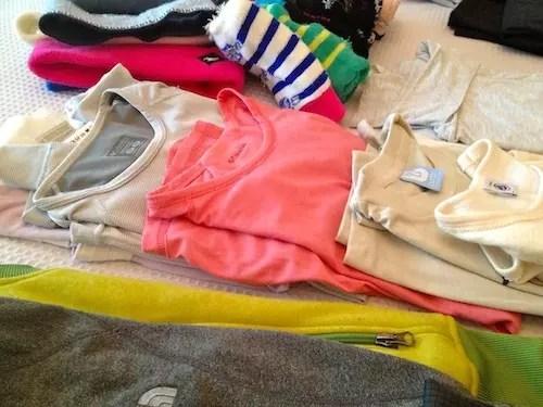camisetas por baixo de tudo, meias especiais, coletes e moletons softs