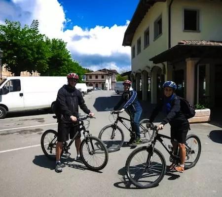 Biking-Appenine-Mountains-566x501-1