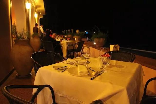 área mesas externas restaurante Itaipu
