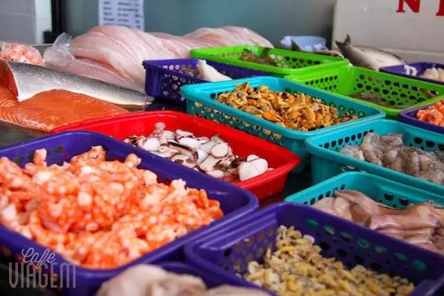 frutos do mar em uma das bancas do Porto